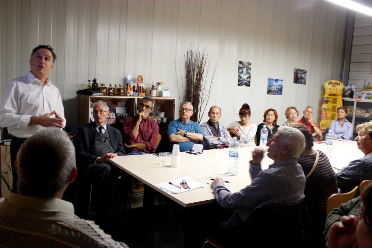 Xerrada envelliment a l'Espai Famílies del TEB amb Lluís Viguera