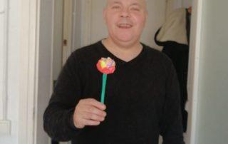 Una flor al passadís.